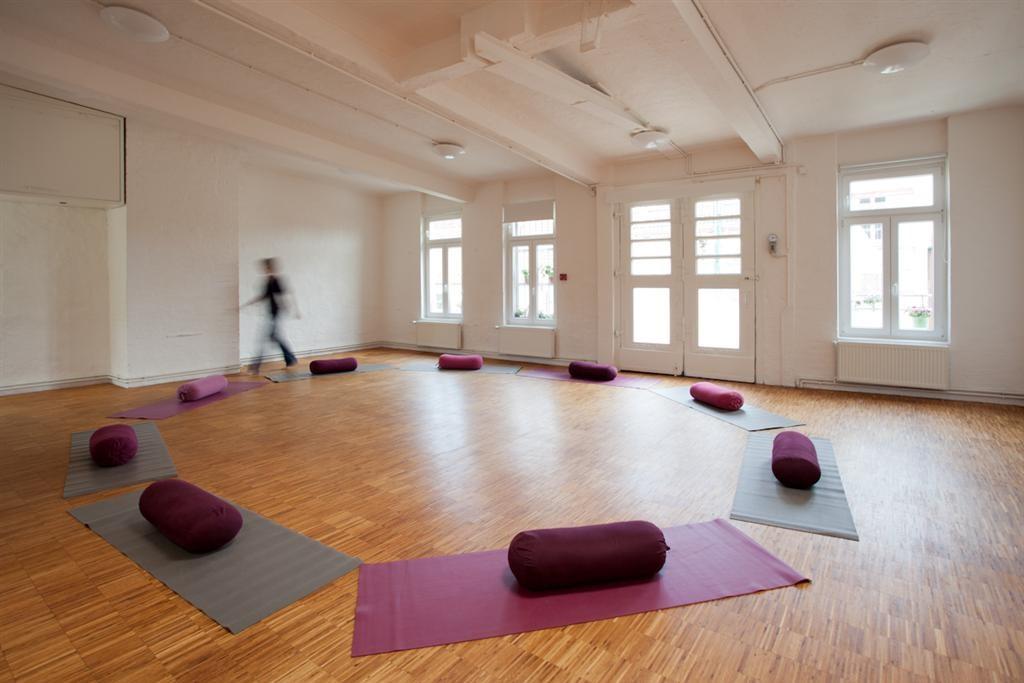 Yoga in Hamburg: Yogalehrer Iyengar Yoga Zentrum Hamburg