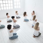 Yogalehrer - Power Yoga Institute Winterhude