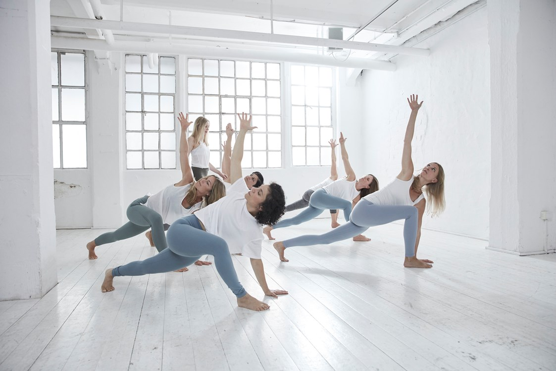 Yogalehrer: Aloha - wir sind Power Yoga Institute! - Power Yoga Institute Schanze