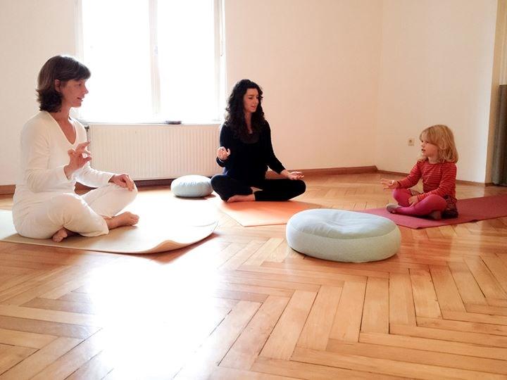 m nchenyoga shaktiram m nchen pasing yoga angebot in m nchen deutschland. Black Bedroom Furniture Sets. Home Design Ideas
