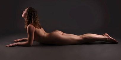 nackt yoga bella
